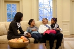obama_family_in_the_oval_office