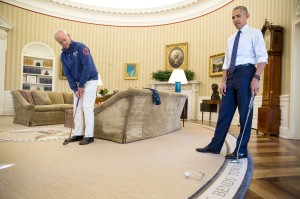 A little touch of Caddyshack in the Oval Office?